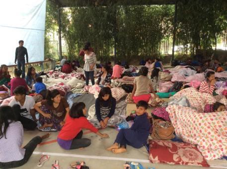 Meninas after earthquake